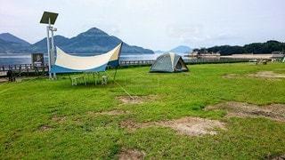 空,傘,屋外,草原,山,景色,草,新緑,キャンプ,テント,草木,クラウド,うさぎの島