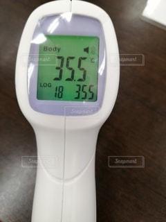 体温計のクローズアップの写真・画像素材[3223963]