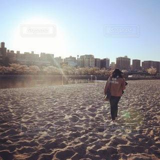 自然,空,ビーチ,後ろ姿,夕暮れ,人,浜辺