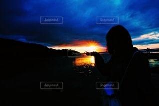 自然,海,空,ビーチ,青,夕暮れ,暗い,影,人,ブルー,サンセット