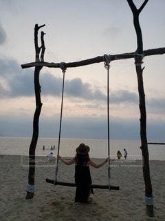 ビーチ,砂浜,夕暮れ,人,サンセット,ぶらんこ