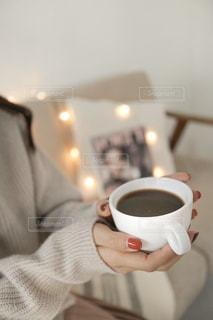 コーヒー,屋内,人,マグカップ,食器,カップ,コーヒー カップ