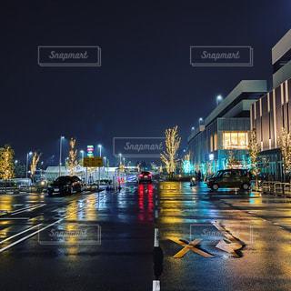 夜,雨,屋外,車,イルミネーション