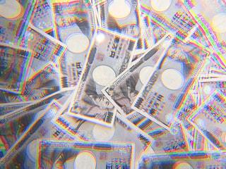 ばらまいた紙幣のクローズアップの写真・画像素材[3383921]