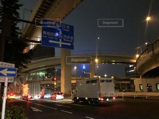 夜,屋外,道路,標識,高速道路,都会,新宿,代々木,甲州街道,通り,車両