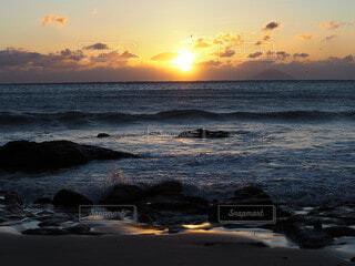 自然,海,空,屋外,太陽,朝日,ビーチ,雲,波,水面,正月,お正月,日の出,新年,初日の出