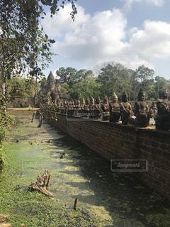 並ぶ仏像の写真・画像素材[3282192]