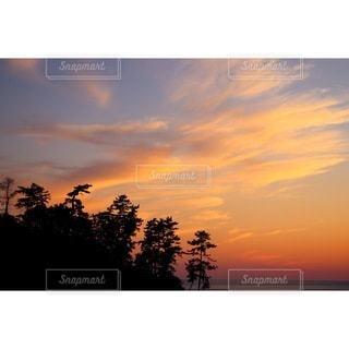 夕焼けの雲の写真・画像素材[3279474]