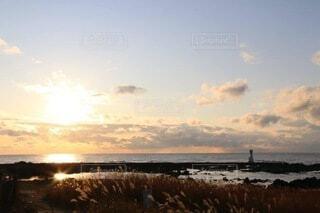 夕暮れの海の写真・画像素材[4777048]