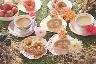 食べ物,カフェ,ケーキ,いちご,デザート,カップケーキ,食器,cafe,おうちカフェ,ドーナツ,女子会,お菓子作り,一眼レフ,ロールケーキ,映え,おかし作り,おやつタイム,コーヒー カップ,15時のおやつ