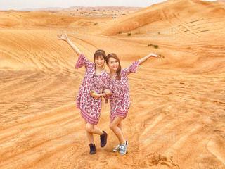 風景,屋外,旅行,砂漠,笑顔,女子旅,Dubai,中東,Travel,ドバイ,双子コーデ,Japanese