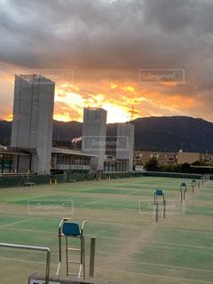 空,夜景,絶景,スポーツ,屋外,雲,綺麗,夕焼け,曇り,山,テニスコート,炎,テニス,小田原