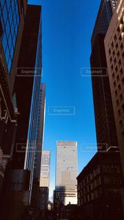 空,建物,ビル,屋外,東京,青空,晴天,都会,高層ビル,大都会