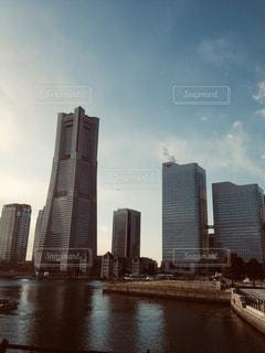 空,建物,屋外,高層ビル,横浜,みなとみらい,おしゃれ,都市の景観