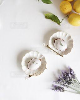花とお菓子の写真・画像素材[3225742]