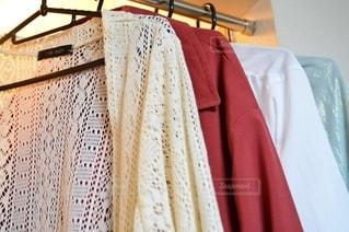 春,カラフル,日常,洋服,生活,ライフスタイル,パステルカラー,収納,カーディガン,衣替え,整理整頓,春服,春コート
