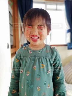 花,緑,かわいい,女の子,ペン,笑顔,紙,おえかき,お化粧,おうち時間