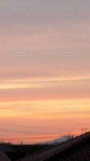 都市に沈む夕日の写真・画像素材[3395059]