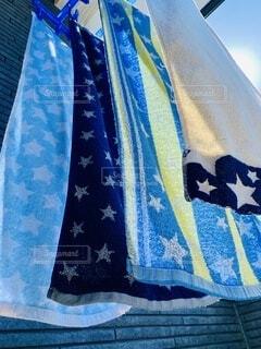 青いタオルのクローズアップの写真・画像素材[3732356]