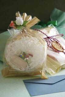 プレゼントと手紙の写真・画像素材[4391029]