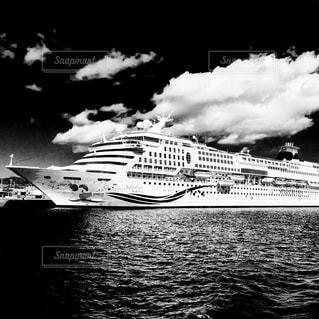 水体の大型船 - No.817354