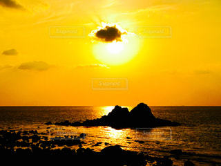 自然,海,夕日,夕焼け,仲良し,夫婦岩,二見ヶ浦,福岡県