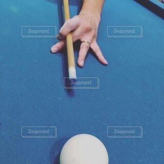 スポーツ,指,手持ち,テーブル,人物,人,ポートレート,ライフスタイル,手元,ビリヤード台,ビリヤード場,プールボール