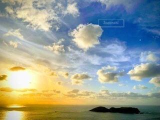 小笠原の夕陽の写真・画像素材[4096690]
