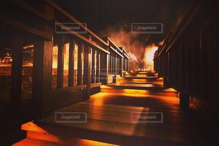 夜の階段の写真・画像素材[3237330]
