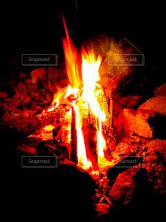 焚き火の写真・画像素材[3270655]