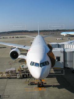 空港での旅客機の写真・画像素材[3270929]