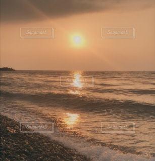 オレンジの夕日の写真・画像素材[3263794]
