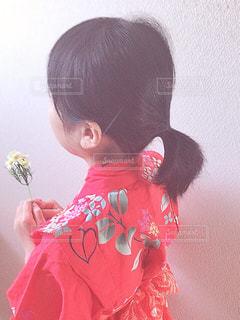 花,夏,日常,女の子,少女,洋服,浴衣,小学生,和服,生活,ライフスタイル,花柄,収納,衣替え,整理整頓
