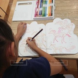 子ども,ペン,馬,絵画,お絵描き,色鉛筆,紙,おえかき,乗馬,おうち時間