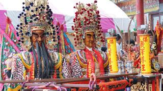台湾の爆竹祭りの写真・画像素材[2455171]