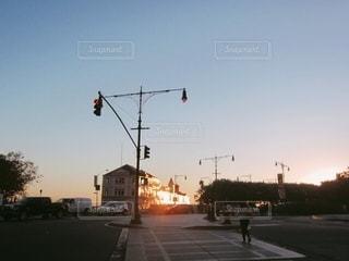 日が暮れるの写真・画像素材[3396800]