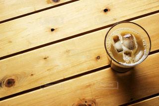 木製のテーブルの写真・画像素材[3490064]