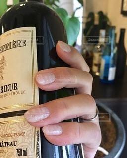 手,手持ち,人物,ワイン,ポートレート,アルコール,ライフスタイル,赤ワイン,手元