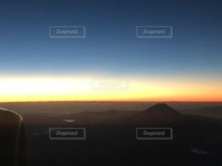 風景,空,朝日,雲,飛行機,山,正月,お正月,日の出,機内,新年,初日の出