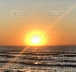 自然,風景,海,空,屋外,太陽,朝日,ビーチ,水面,海岸,正月,お正月,日の出,新年,初日の出