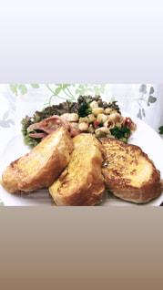 フランスパンのフレンチトーストの写真・画像素材[3269530]