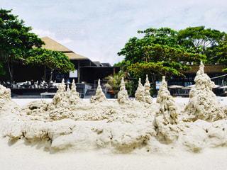 ビーチリゾートにて、変わった白砂で作った造形の写真・画像素材[3295989]