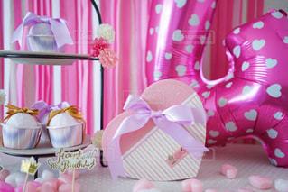 パーティ,ピンク,プレゼント,ハート,リボン,誕生日,バースデー,飾り付け