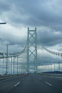 道路の上の橋の写真・画像素材[1219972]