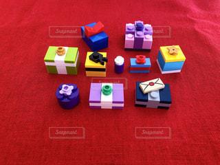 レゴで作ったプレゼントボックスの写真・画像素材[2961088]