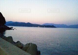 朝焼けの海の写真・画像素材[3689457]