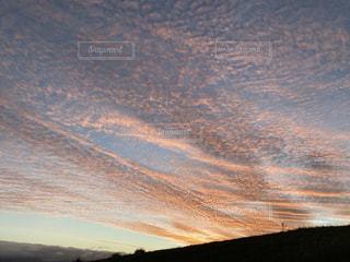高原から見る夕日の写真・画像素材[3475600]