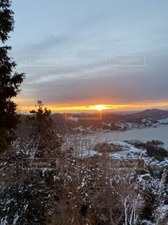 自然,風景,空,雪,朝日,夕暮れ,樹木,正月,お正月,日の出,新年,初日の出