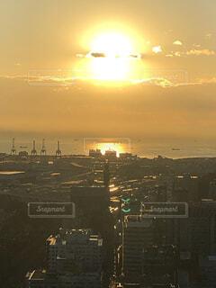空,太陽,朝日,雲,都会,正月,横浜,お正月,日の出,新年,初日の出