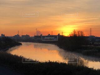 風景,空,屋外,湖,太陽,朝日,雲,川,水面,オレンジ,樹木,正月,お正月,日の出,新年,初日の出